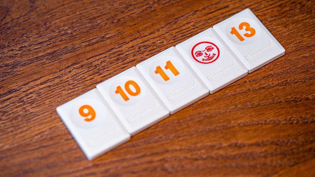 Rummikub boardgame juego de mesa