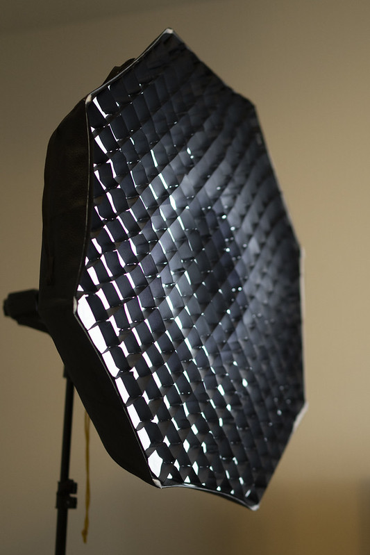w/ Optional Grid - Glow Foldable Beauty Dish With Bowens Mount