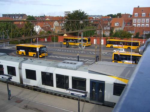 GB P1140320 Helsingor station panorama from mid platform footbridge
