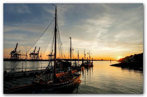 sunset sonnenuntergang hamburg hafen port harbor museumshafen övelgönne schiffe kräne körnchen59 elke körner sony 6000 flickr