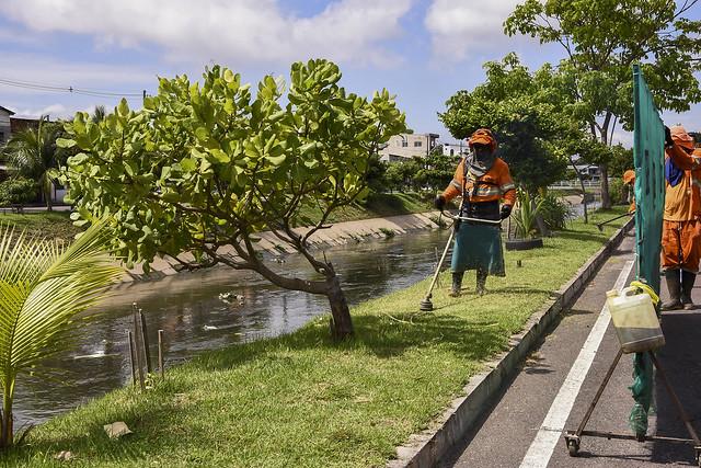 16.12.2020 Prefeitura realiza multirão de limpeza em igarapés
