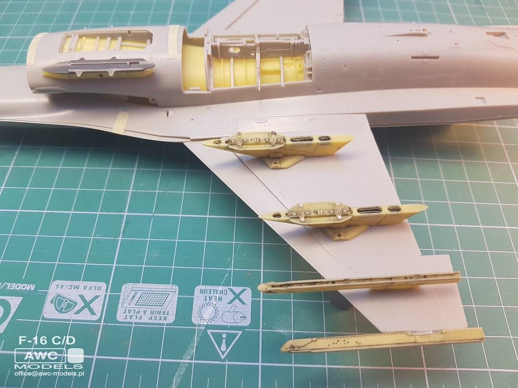 F_16_C_D_PYLONY_12