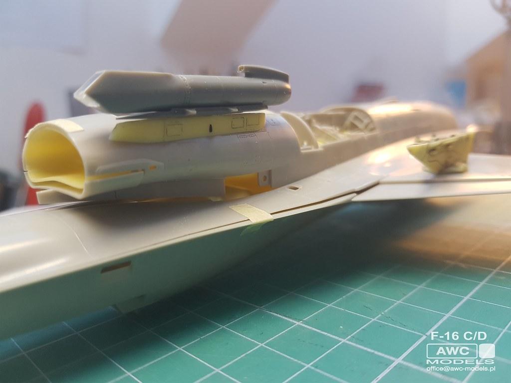 F_16_C_D_PYLONY_14
