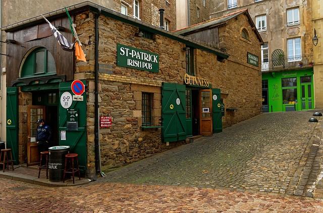 Saint-Malo / Rue Chateaubriand / St-Patrick Irish Pub