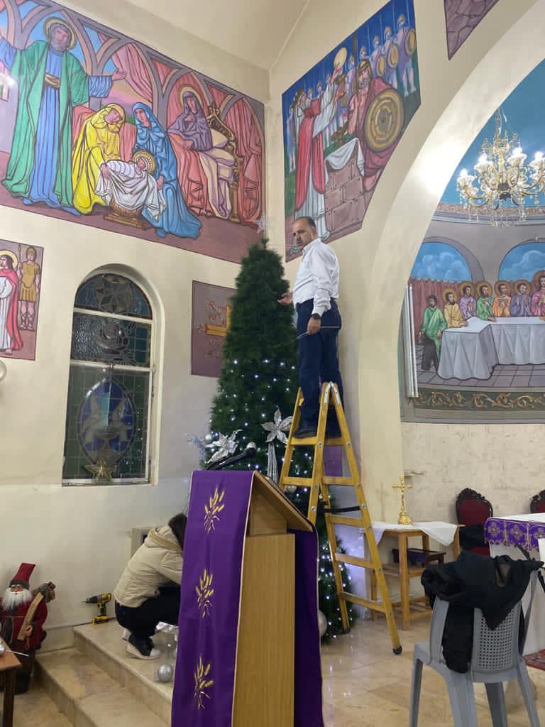 Preparando la Navidad en el Santuario de Nuestra Señora del Monte en Anjara, Jordania