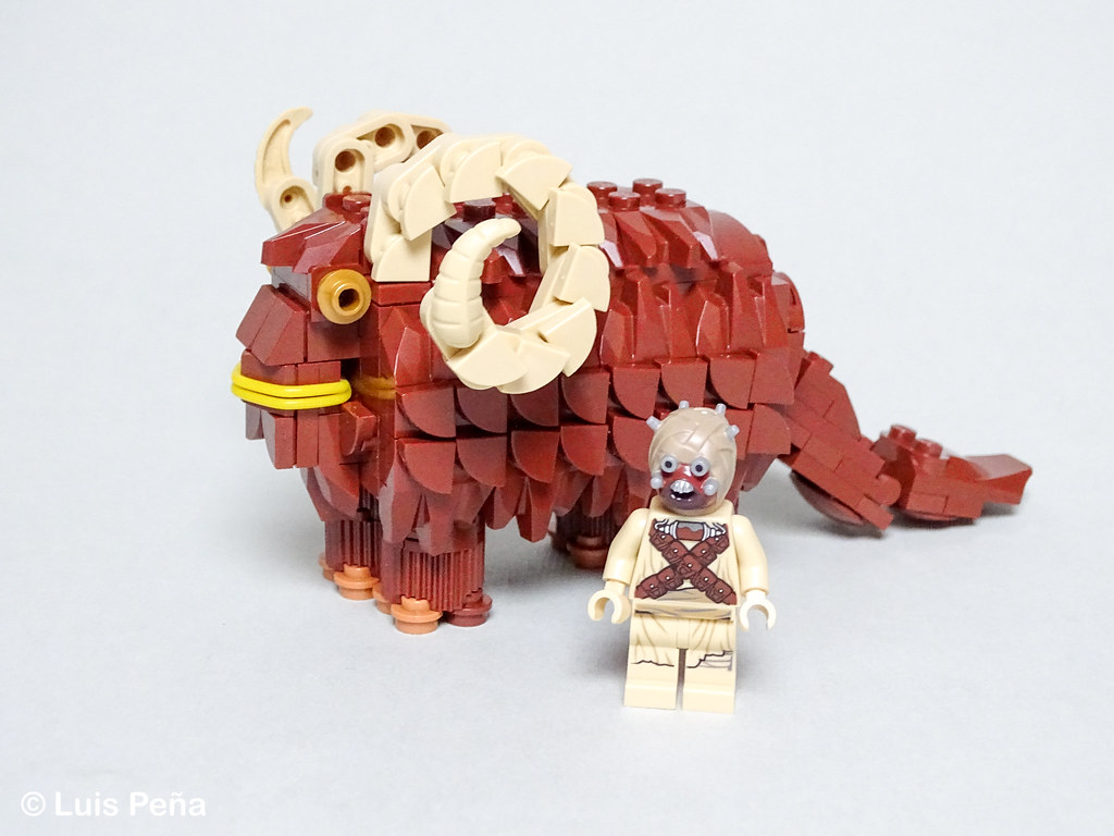 LEGO Bantha