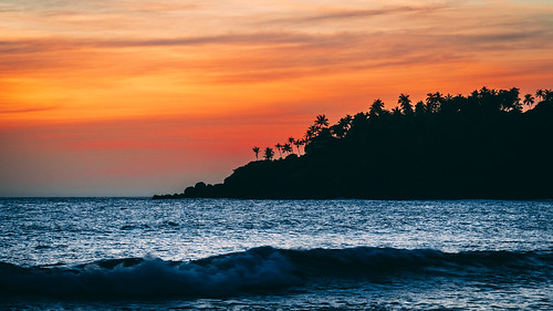 asia srilanka mirissa beach sunset sea waves sony sonyα6300 sonyepz18105mmf4goss