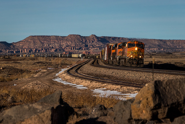BNSF 5728 East - Bluewater