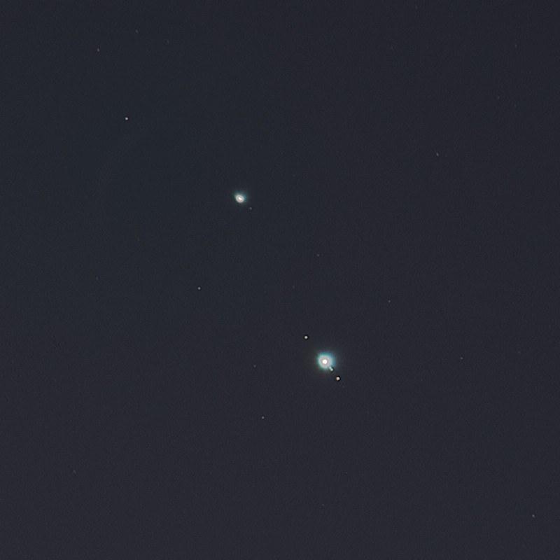 月と木星と土星の接近 (2020/12/17 17:25) (木星と土星を拡大)