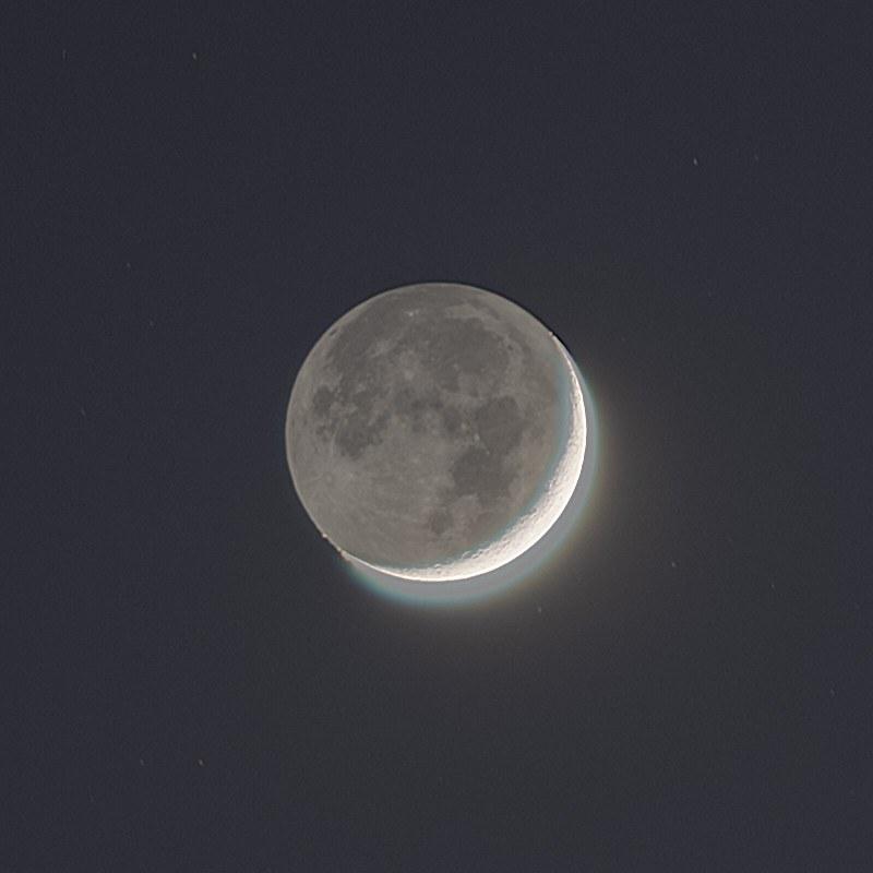 月と木星と土星の接近 (2020/12/17 17:25) (月を拡大)