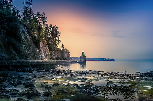 rohan zanzibar rohanzanzibar siwashrock stanleypark siwash rock tide moss sunset hike walk bike evening ebb blue orange green sun nature run beautiful golden west westcoast vancouver britishcolumbia canada rocks elitegalleryaoi bestcapturesaoi aoi