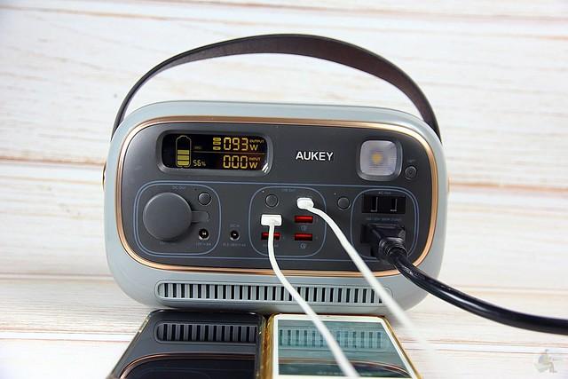 Aukey Powerstudio 復古萬用電源