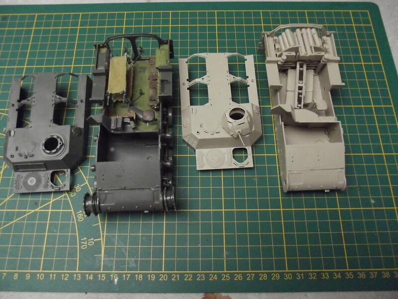 AMX 13 XTA et VTT munitions 1/35 heller  50732319533_9297724e0e_c