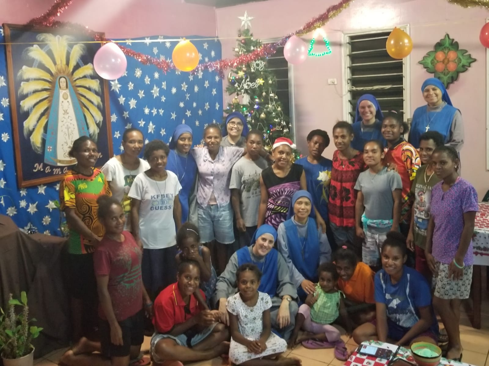 Fiesta de Navidad en el Hogar en Papúa