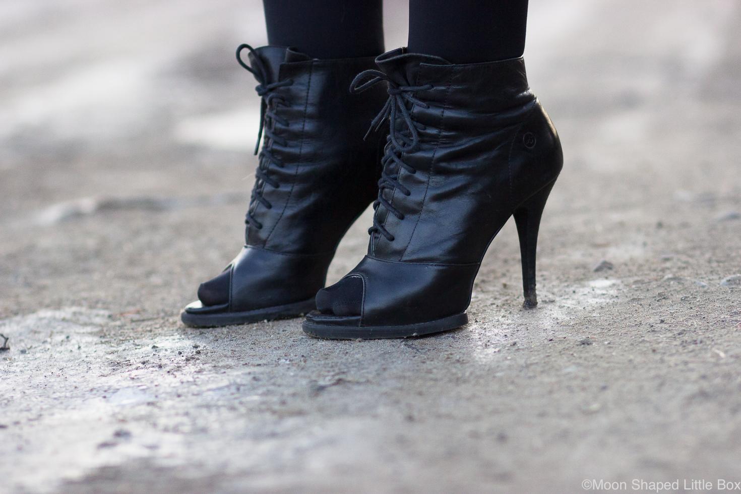 Mustat-nahkanilkkurit-Bronx