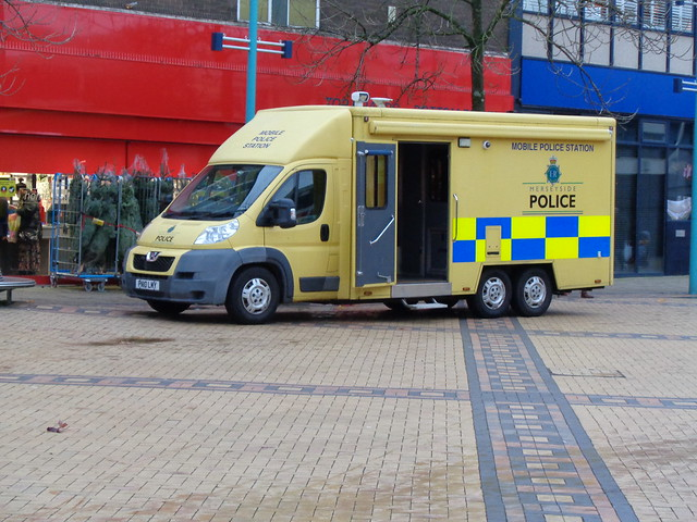Merseyside Police Peugeot Boxer (PN10 LMY)