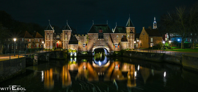 Koppelpoort by night