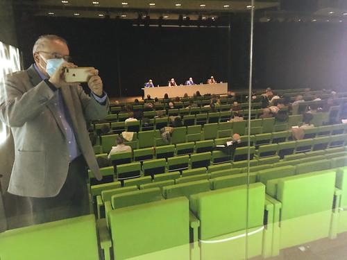 Mikel Agirregabiria, nuevo Secretario de Nagusiak Bizkaia, fotografiando Asamblea General de 2020