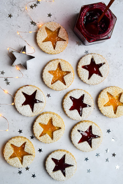 Festive Spice Linzer Cookies (Linzerkekse)