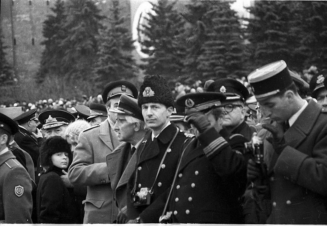 1970-е. Военные атташе. Красная площадь2
