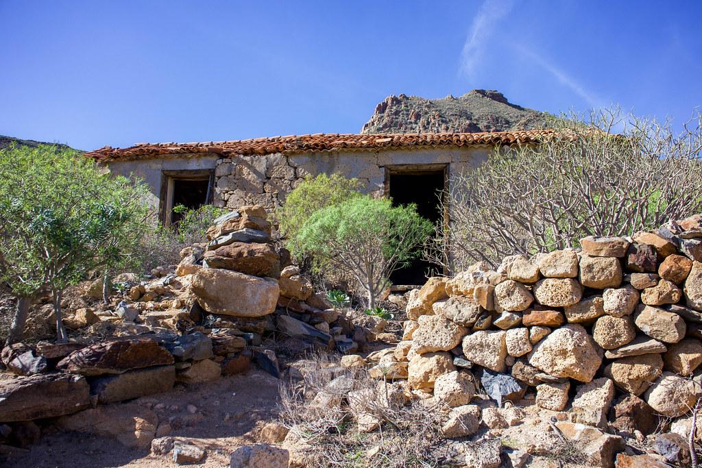 Casa del Gato en el sendero desde San Miguel de Abona