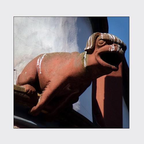 deutschland flickr quadrat hauptmarkt gargoyls sarahjarosz nodom album8 ratskellerzursteipe märzwinterlicht kodakpixproaz421 dzsmd830 aufgenommenam21märz2018 keindom trier wasserspeier whendovescry schaumada
