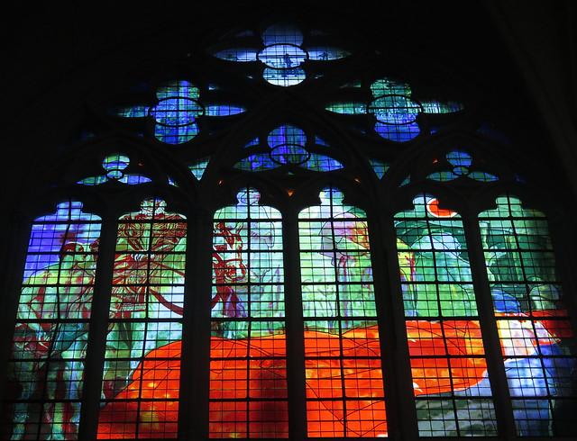 Verrière contemporaine de la cathédrale Saint-Gatien, Tours (Indre-et-Loire)