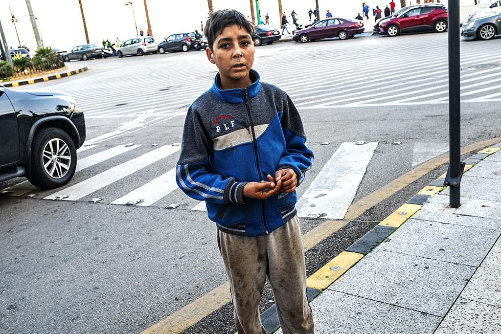 Beggar near Corniche Ain Mreisse on 12-18-20--Beirut 4
