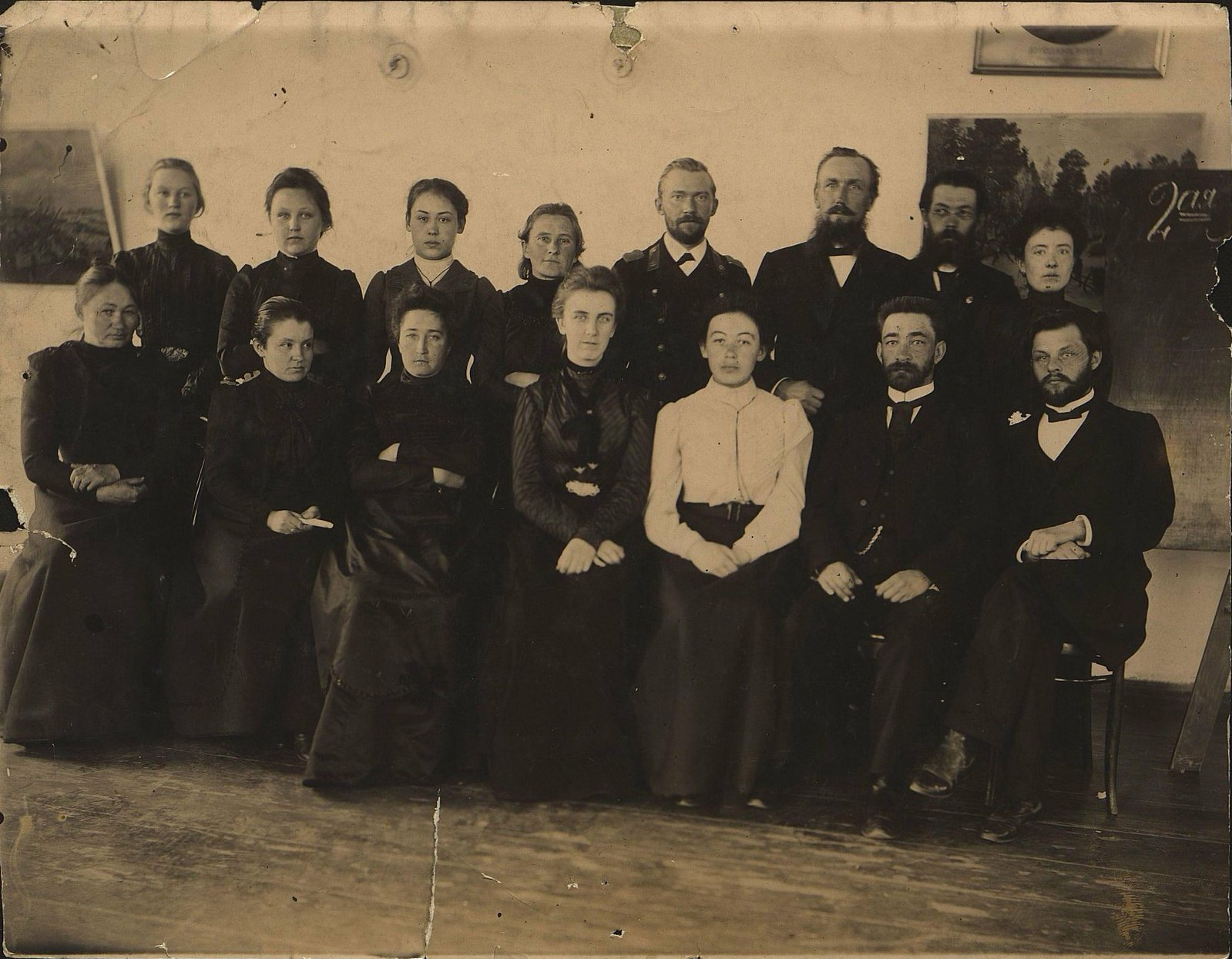 10. Учителя иркутских школ. 1906