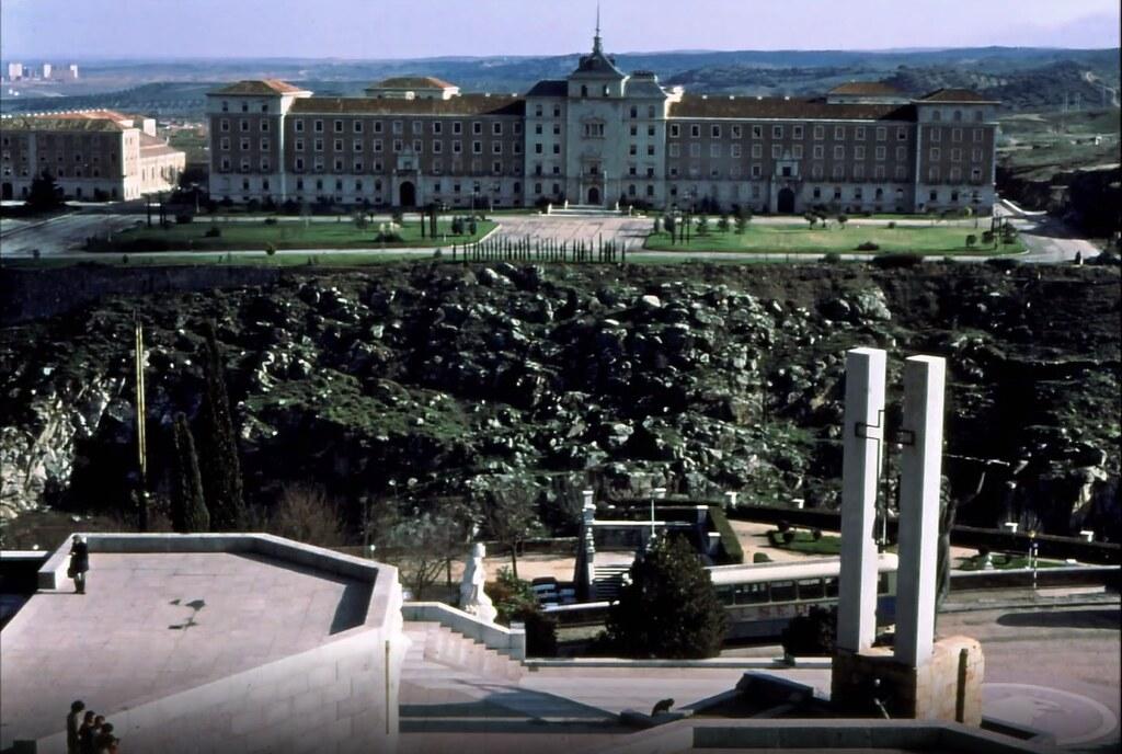 Academia de Infantería vista desde el Alcázar de Toledo el 30 de diciembre de 1977. Fotografía de Peter Laurence