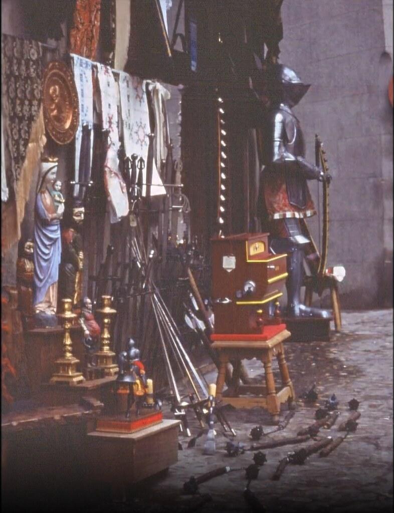 Tienda de artesanía y recuerdos de Toledo el 30 de diciembre de 1977. Fotografía de Peter Laurence