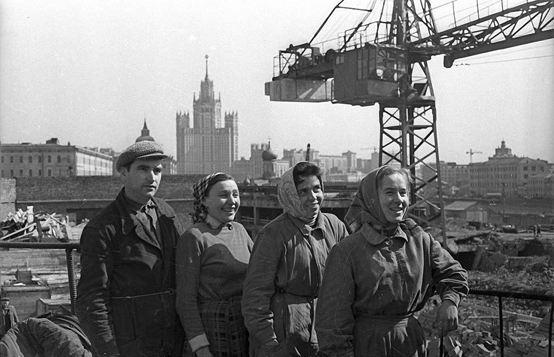 1960-е. Стройка гостиницы «Россия». Зарядье