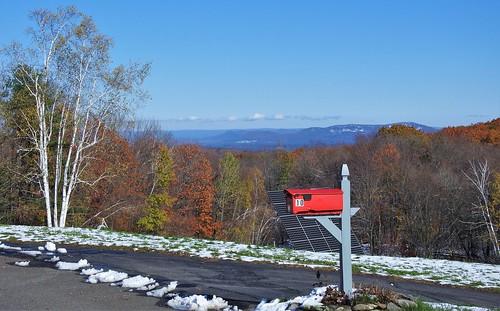 mailbox montgomeryma massachusetts countryroad red view mountains hillside newengland explore inexplore explored
