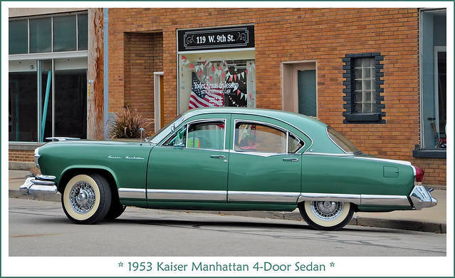 1953 Kaiser Manhattan 4-Door Sedan