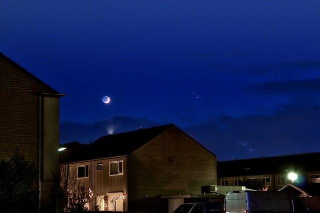 VCSE - A Hold és hamuszürke fénye, jobbra tőlük a Jupiter és a Szaturnusz Hollandiából - Fotó: Paragi Zsolt