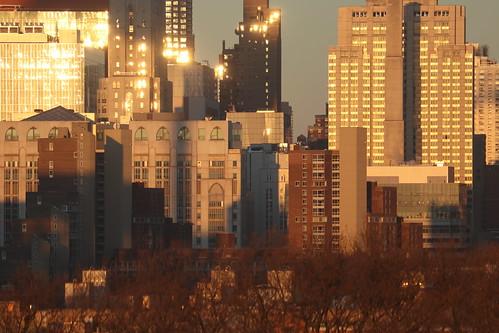 newyork nyc skyline uppereastside landscape sunrise lenoxhill urban city newyorkpresbyterianhospital weillcornellmedicalcenter window