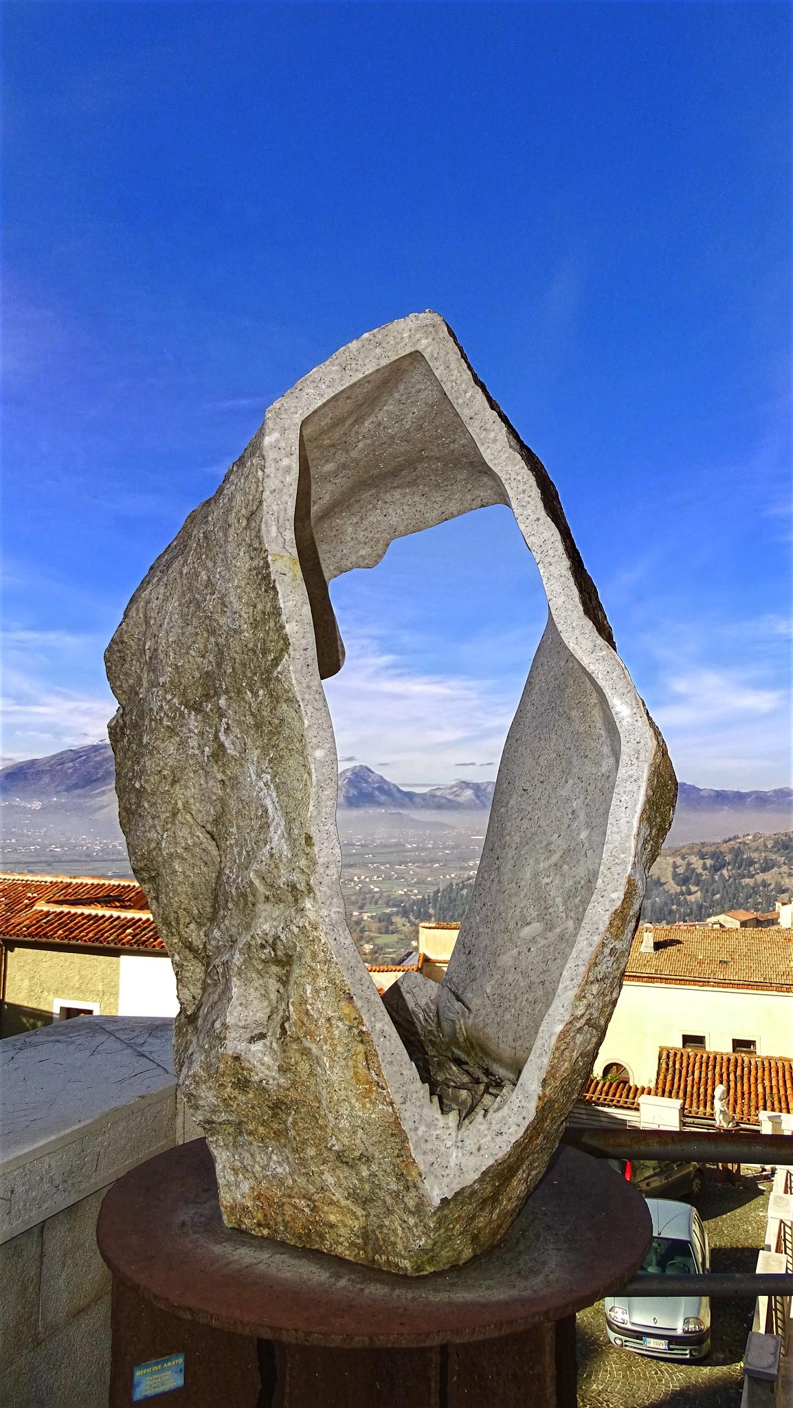 Opera dello scultore Jacopo Cardillo  - Pelle di Padula