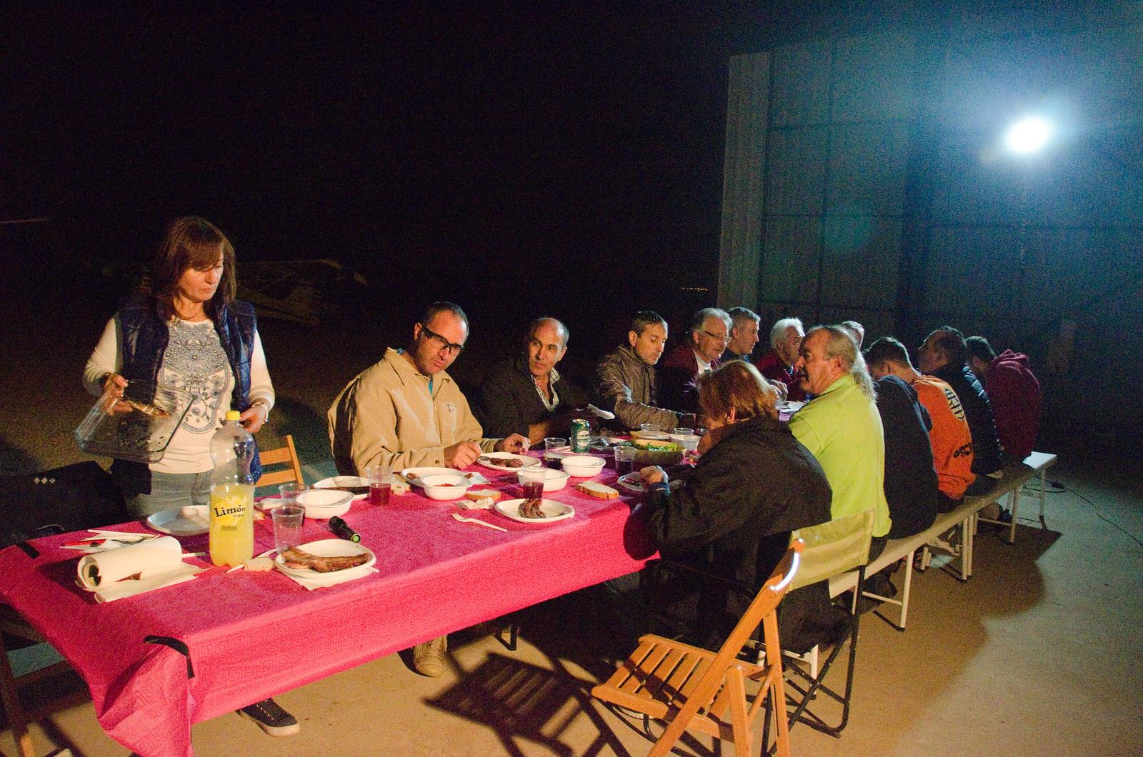 Cena Club Aerodromo Astorga Kitfox  hangar noche (30)
