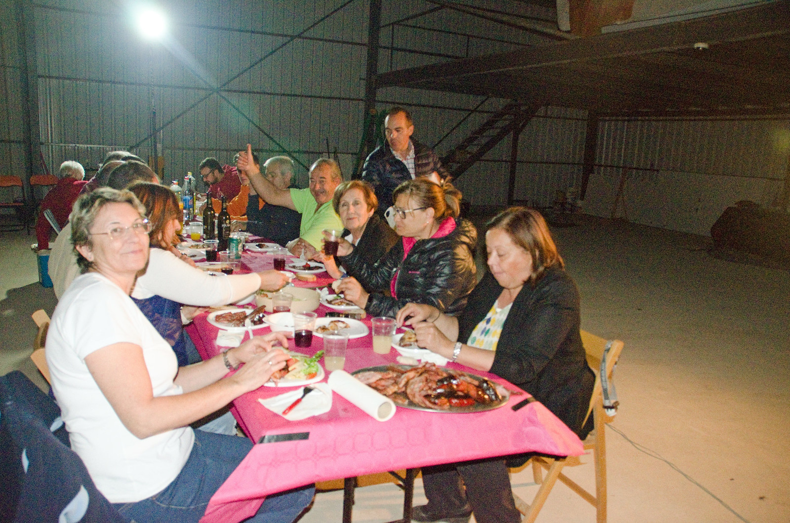 Cena Club Aerodromo Astorga Kitfox  hangar noche (14)