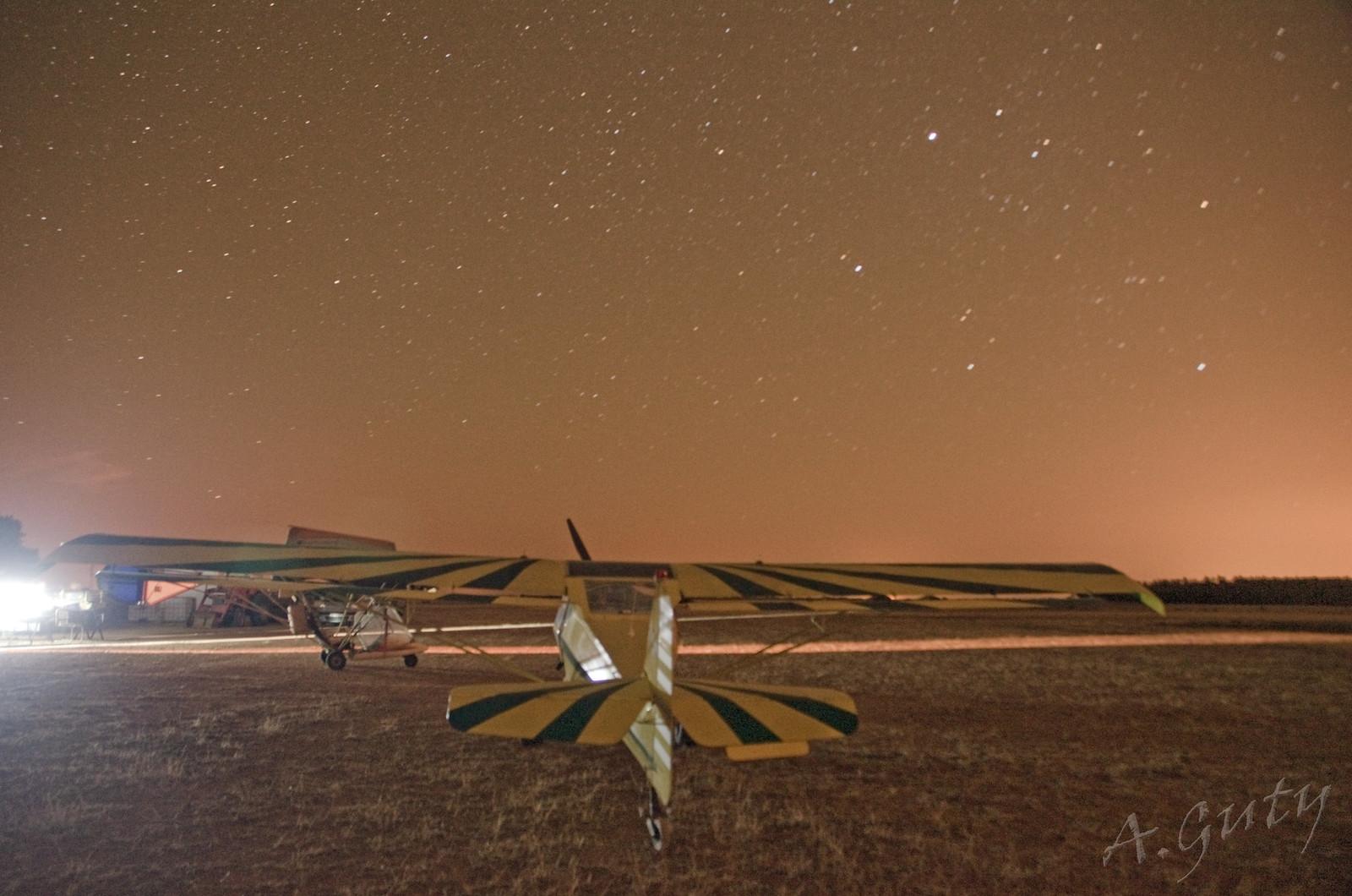 Cena Club Aerodromo Astorga Kitfox  hangar noche (2)