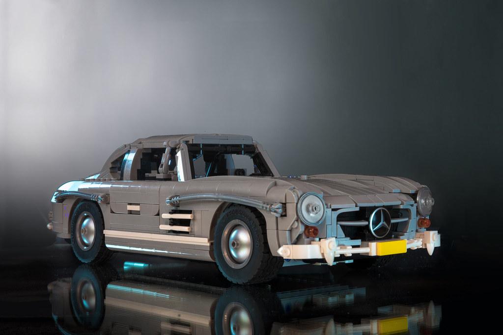 "LEGO Mercedes-Benz 300SL ""Gullwing"" Coupé (1955)"