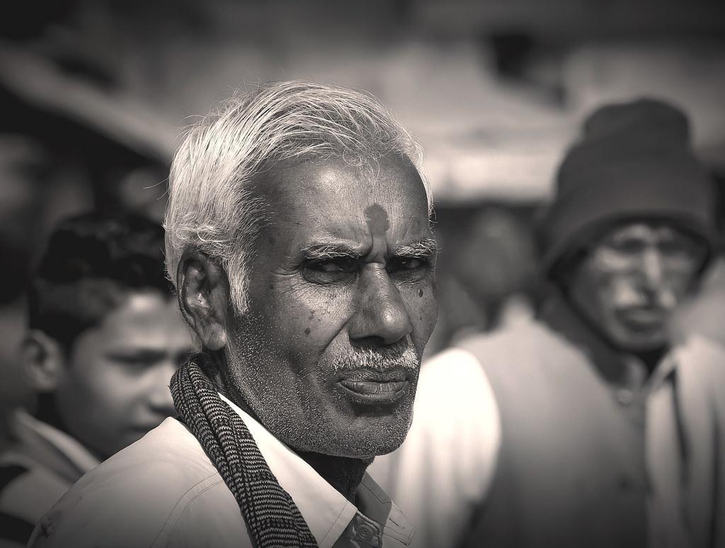 ... ritratto di uomo indiano (02, remake b/n)
