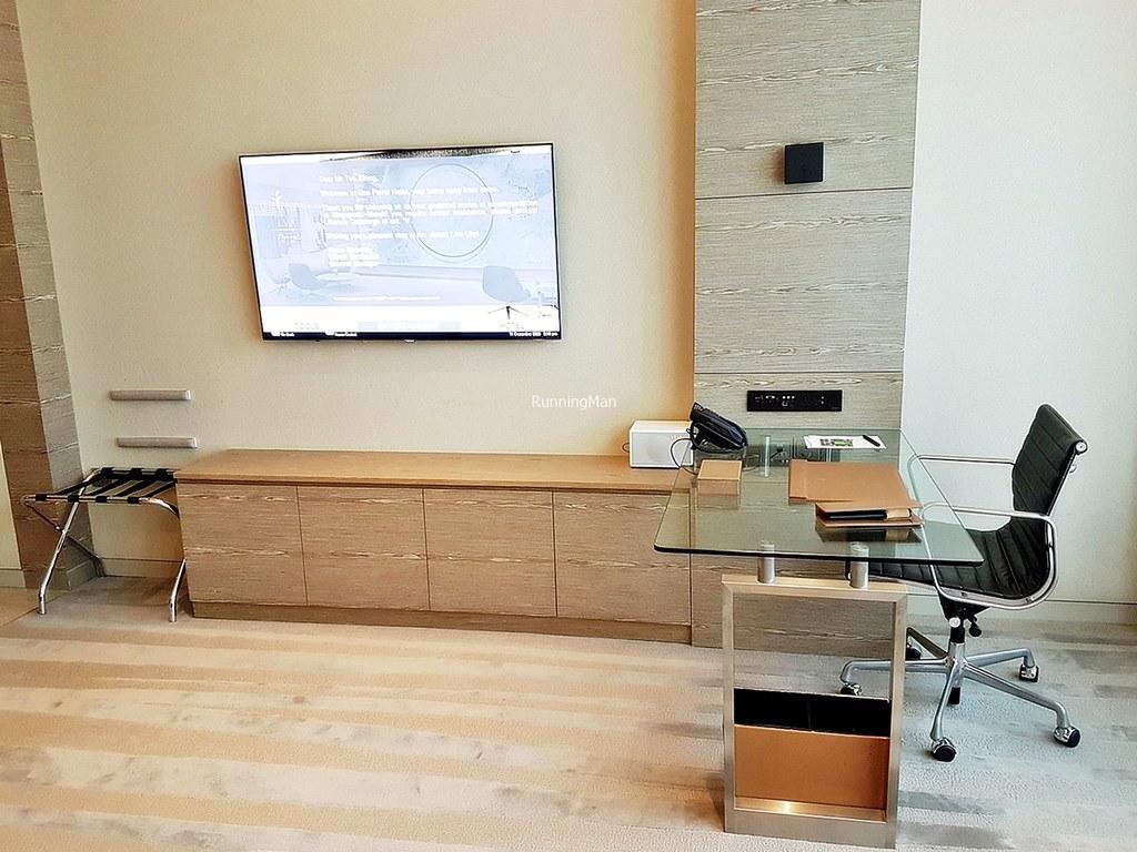 One Farrer Hotel 03 - Living Room & Working Desk