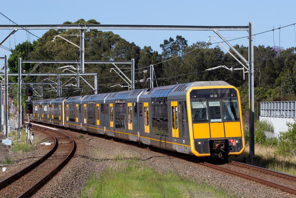 T43-T17 SydneyTrains 684H Wolli Creek 19-11-20