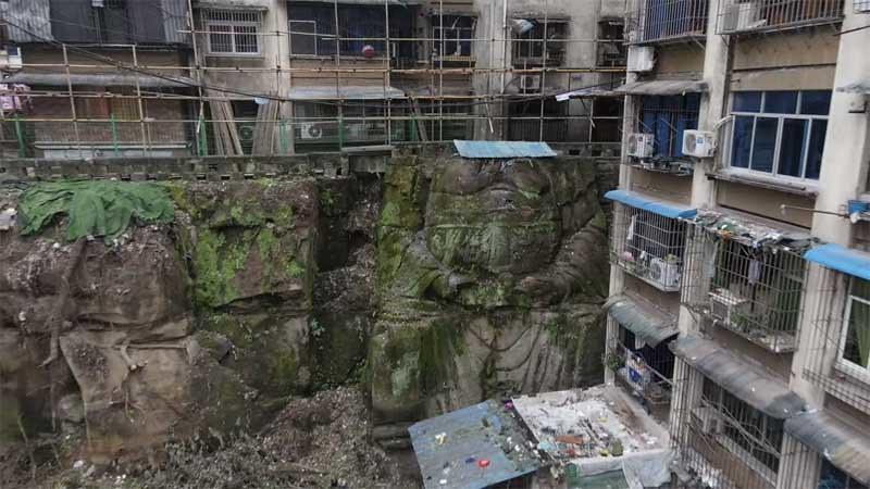 Misteri Arca Buddha Raksasa di Antar Bangunan di Tiongkok