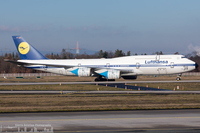 D-ABYT Lufthansa Boeing 747-8 painted in 'Retro' special colours (FRA - EDDF - Frankfurt)