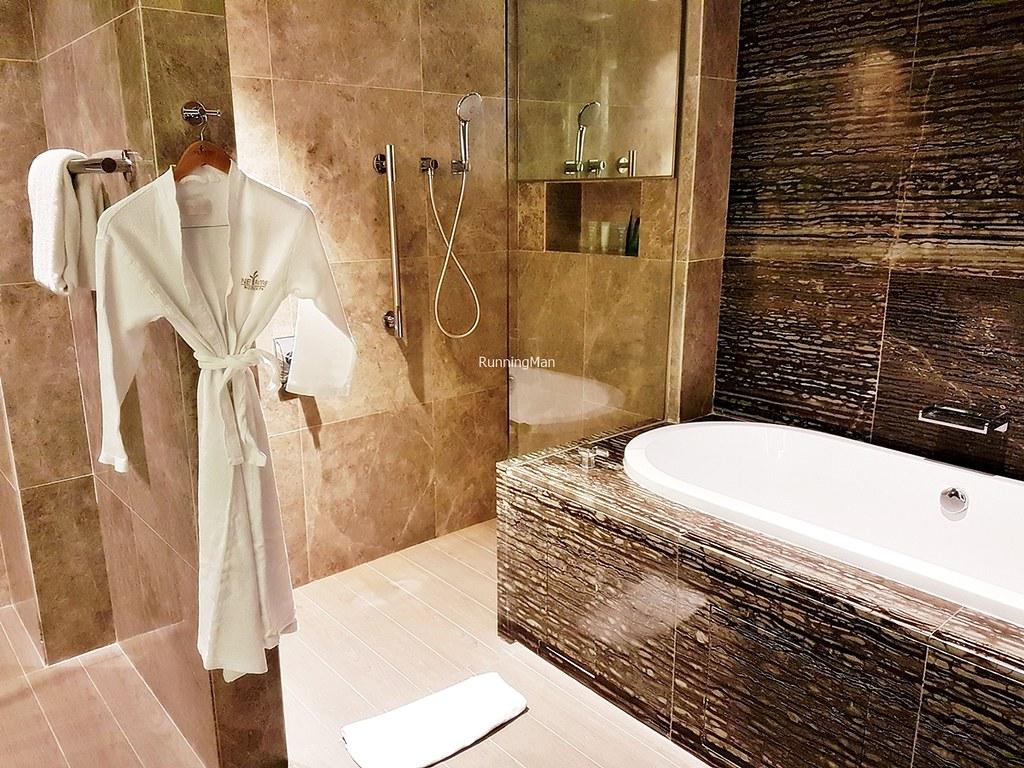 One Farrer Hotel 04 - Bathroom