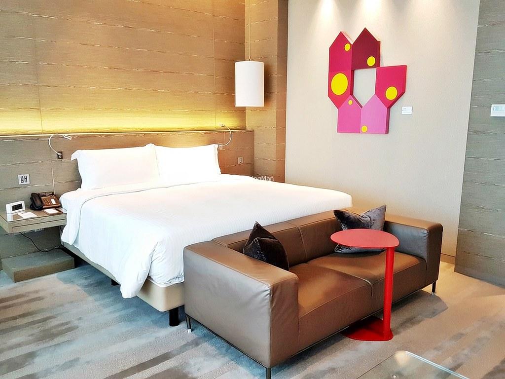 One Farrer Hotel 02 - Bedroom