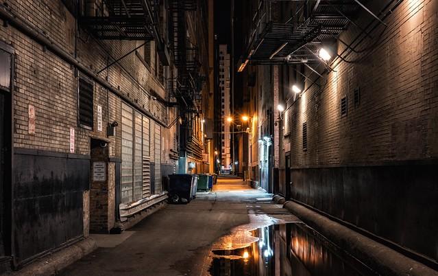 Chicago alley walk