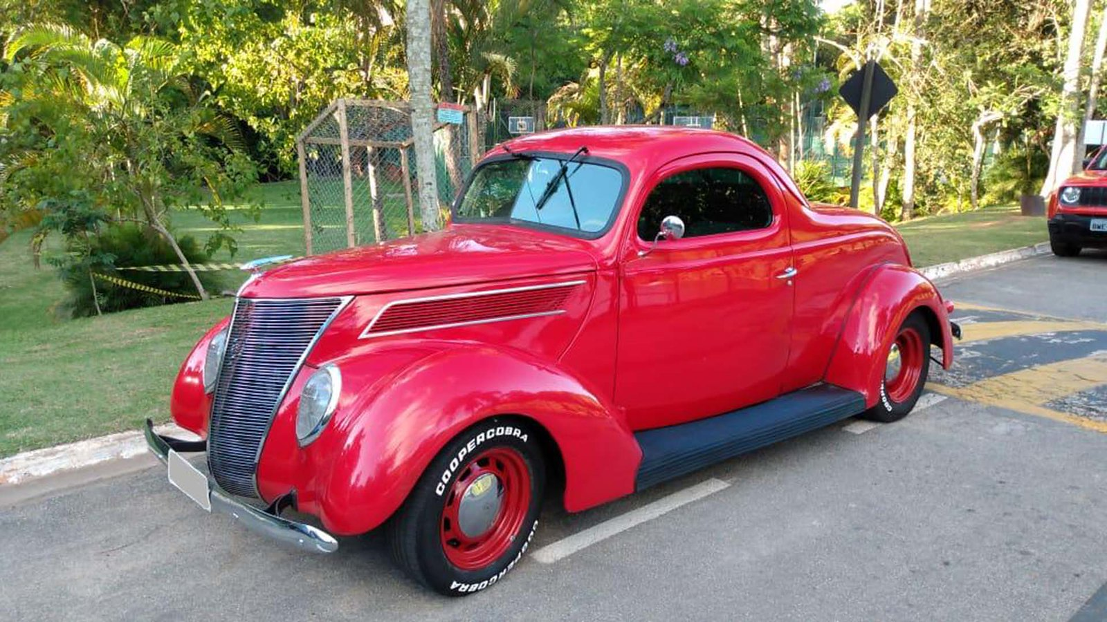Ford 1937 Street
